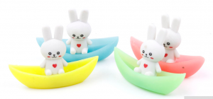 Gomme lapin dans barque kawaii culture